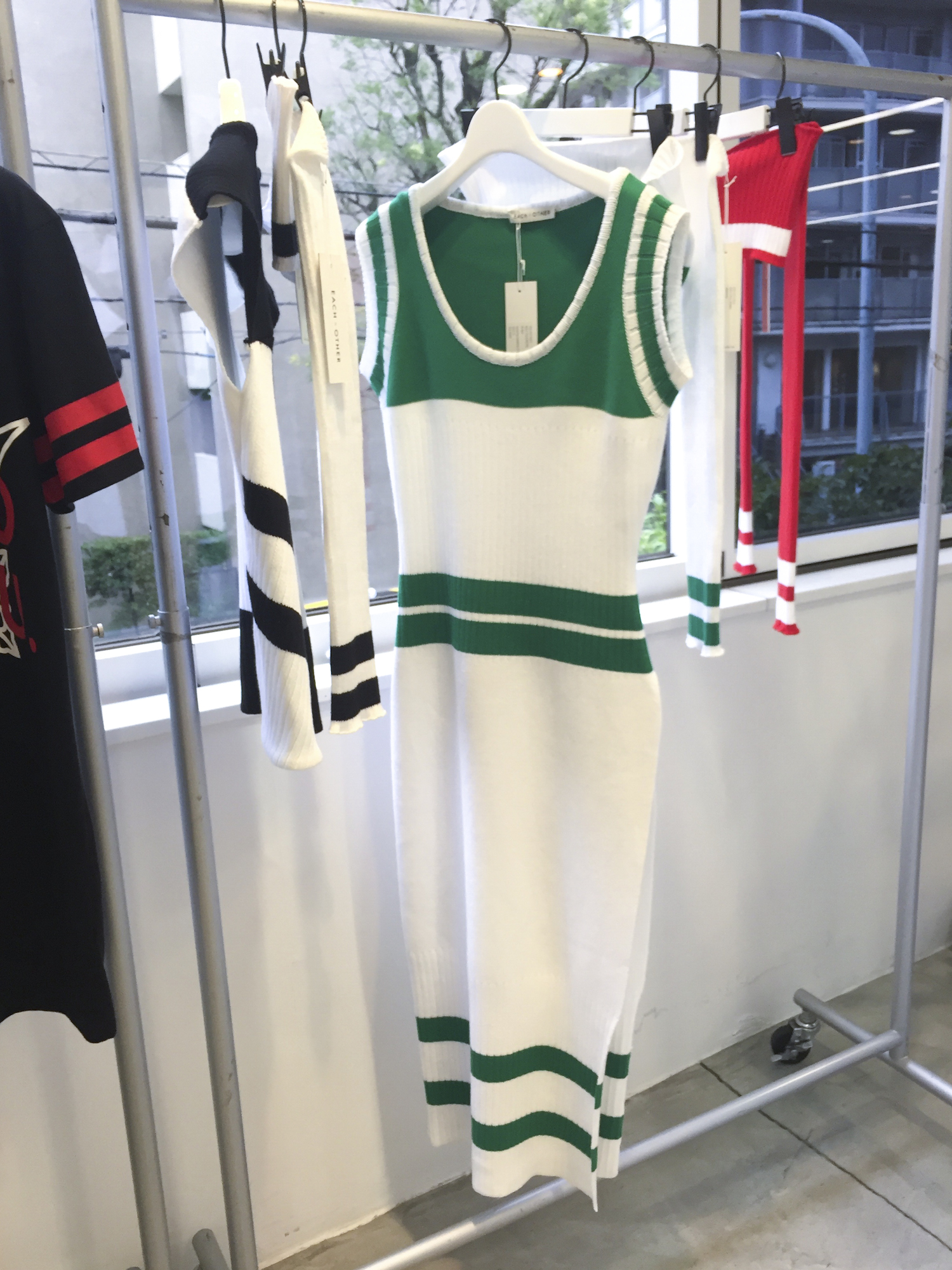 EACH X OTHER_2017ss_blog_12